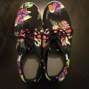 Mens Sanuk shoes.